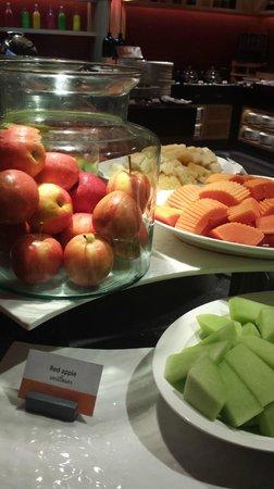 Amari Hua Hin: beakfast, fruits selection