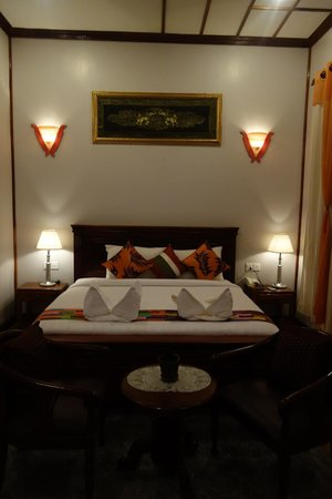 The Seda Villa : Orange Suite