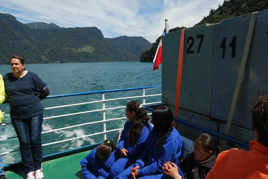 Turistour Day Tours : Our First Boat (Chile)
