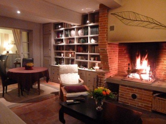 Chambres d'hotes Le Village : salon d'hiver