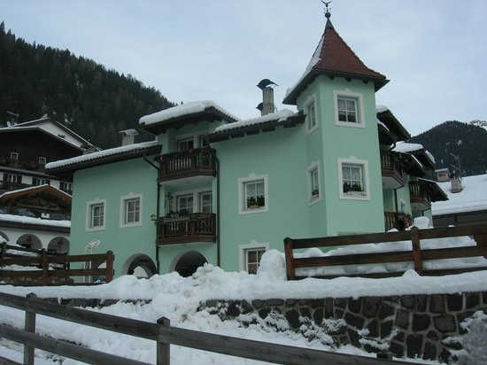 Hotel Cesa Tyrol: Our apartment