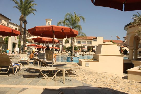 Napa Plaza Hotel: бассейн , лежаки