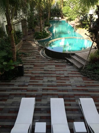 The Akmani Legian: Pool