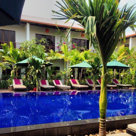 La Niche D'Angkor Boutique Hotel: Pool was always empty until 3pm after people return from temple tours