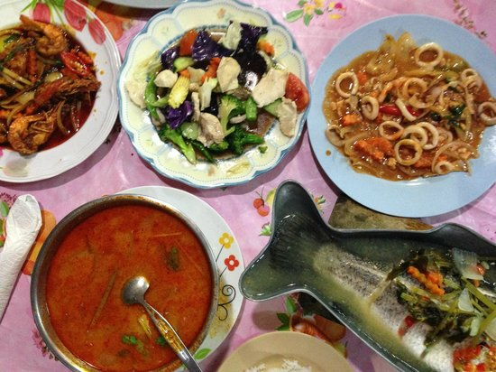 Kusuma Seafood : Humble dinner for 3 persons