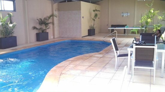 Streaky Bay Motel & Villas: Beautiful pool and spa.