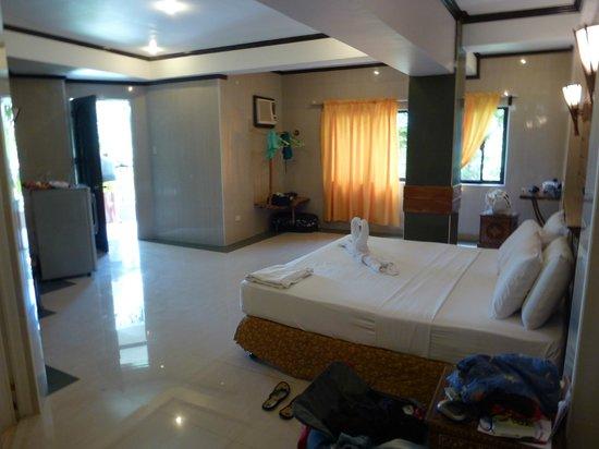 Dumaluan Beach Resort: Zimmer im 2.Stock