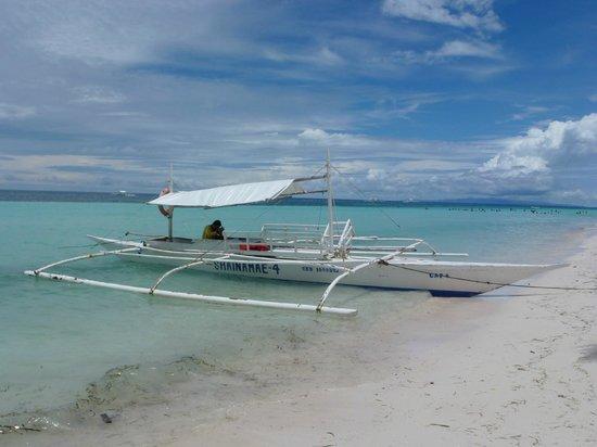 Dumaluan Beach Resort: Typisches Boot