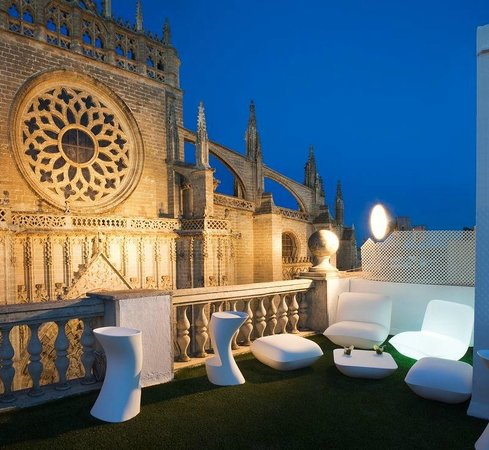 Puerta Catedral Suites: Terrace with Seville Cathedral Views