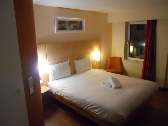 Ibis Belfast Queens Quarter: Acceptable bedroom