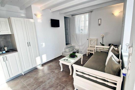 Archontiko Santorini: Deluxe split level apartment