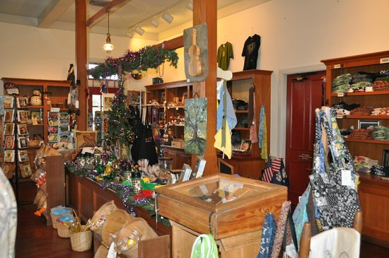 Vermilionville : gift shop with items from local artisans
