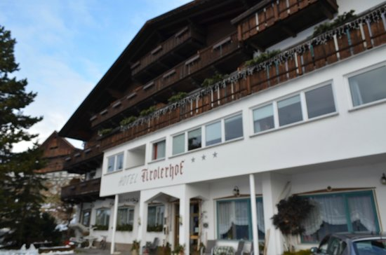 Tirolerhof Terenten: fronte albergo