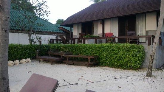 Iyara Beach Hotel & Plaza: Beach View Cabanna