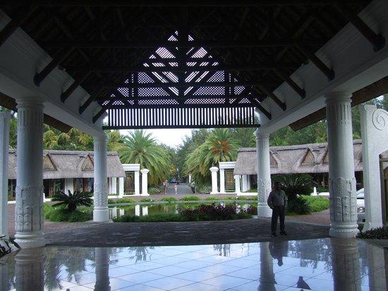Indian Resort : reception et allée d'arrivée