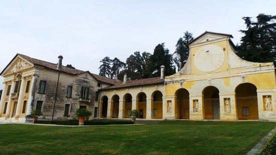 Villa Barbaro: una barchessa