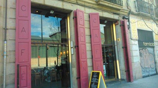 El 300 Del Born : Puerta cafe