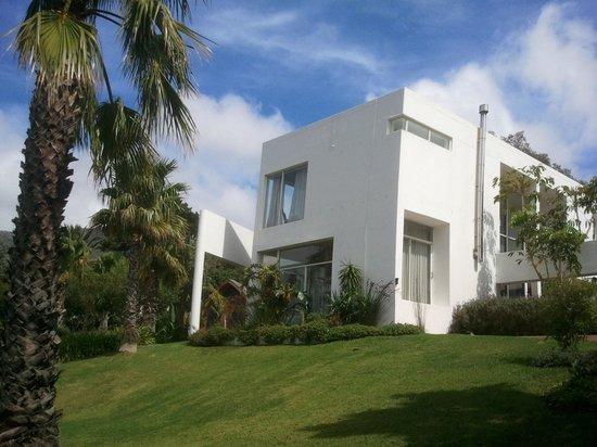 CUBE Guest House: Guesthouse von außen