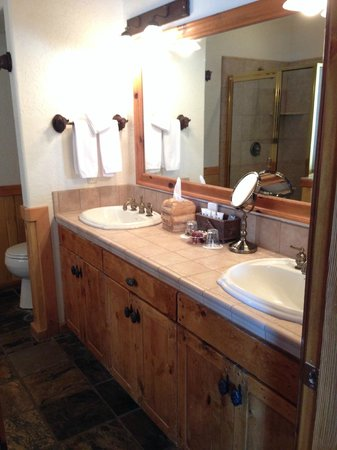 Sorrel River Ranch Resort and Spa: double sink
