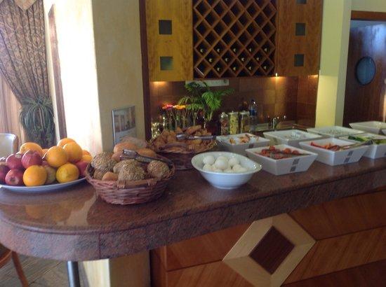 Abratel Suites Hotel: Breakfast