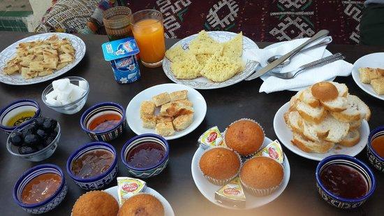 Dar Sienna: Sabah's yummy breakfast