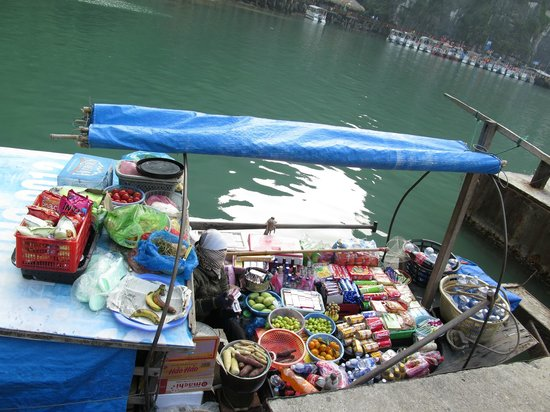 Travel Sense Asia - Private Day Tours: floating shop 1