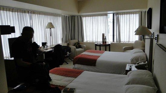 Hotel Galerias: Номер угловой