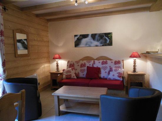 Alpine Lodge: living room