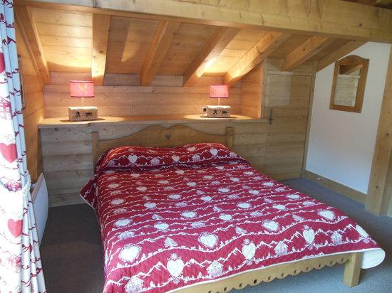 Alpine Lodge: bedroom