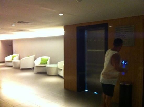 Bintang Kuta Hotel: foyer on 4th floor