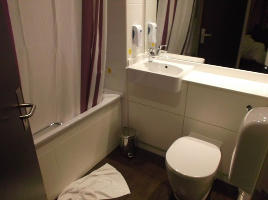 Premier Inn Dover Central (Eastern Ferry Terminal) Hotel: Room