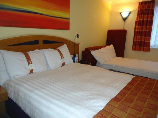 Holiday Inn Express Edinburgh - Waterfront : Bedroom