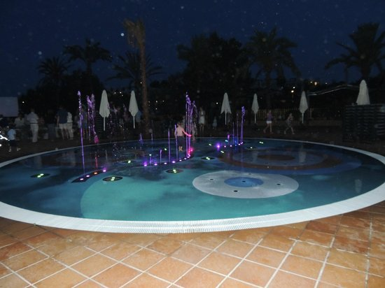 Insotel Cala Mandia Resort & Spa: Fontanna