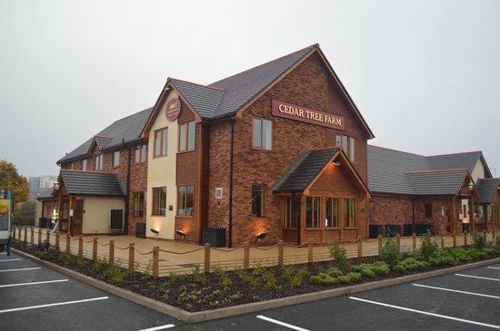 Photo of Bar Cedar Tree Farm Family Pub Restaurant at Ferry Road, Cardiff CF11 0JR, United Kingdom