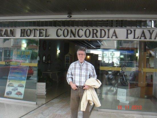 Checkin Concordia Playa: En la puerta principal