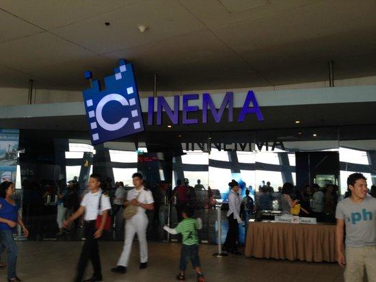 Mall of Asia Arena: Кинотеатр