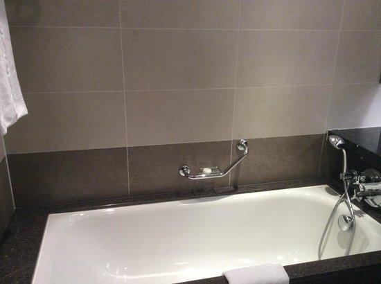 Sofitel London Heathrow: Soaking tub
