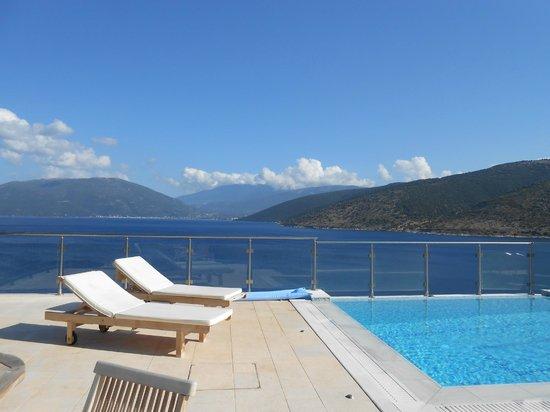 Kefalonia Bay Palace: villa pool