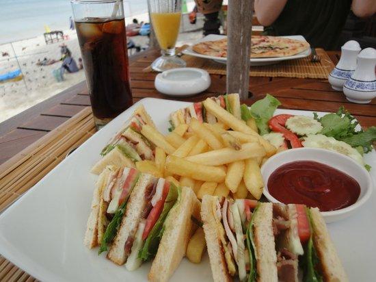 Centara Grand Beach Resort Samui: 味はイマイチ