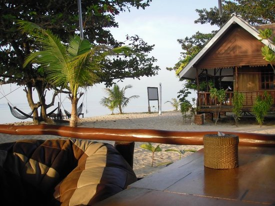 V-View Beach Resort : Blick aus der chilligen Lobby