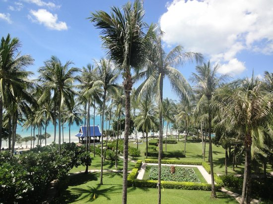 Centara Grand Beach Resort Samui: ビーチ