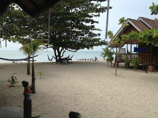 V-View Beach Resort: Hängematte wohin das Auge blickt