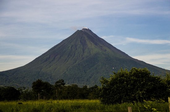 Hotel Jardines Arenal: Vistas del volcan Arenal desde el Jardines Arenal Lodge