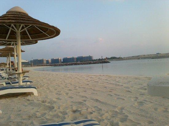 InterContinental Abu Dhabi : private beach