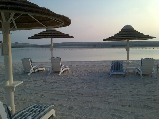InterContinental Abu Dhabi: private beach area
