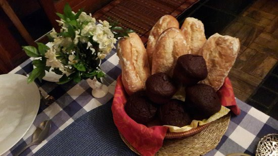 10 Alexander: Baguettes & Freshly baked Chocolate Muffins