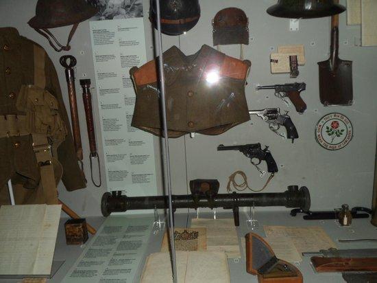 Imperial War Museum North: Exhibit of guns