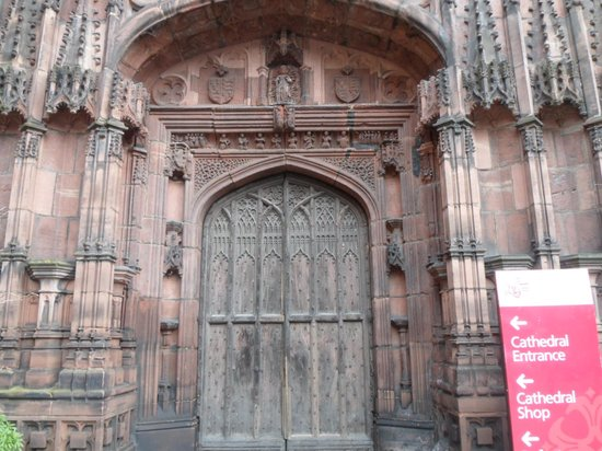 Chester Cathedral: Fantastic door