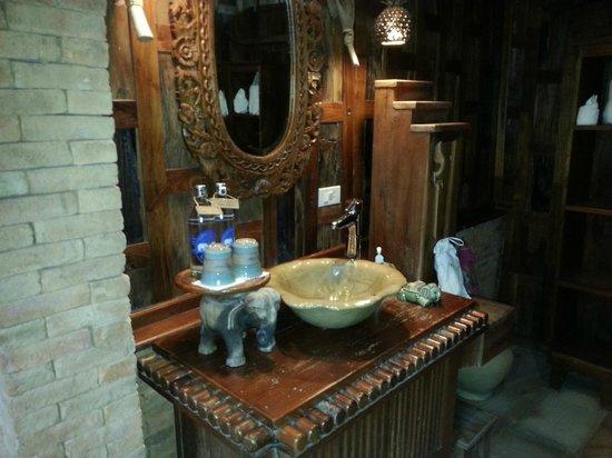 Santhiya Koh Phangan Resort & Spa: bagno