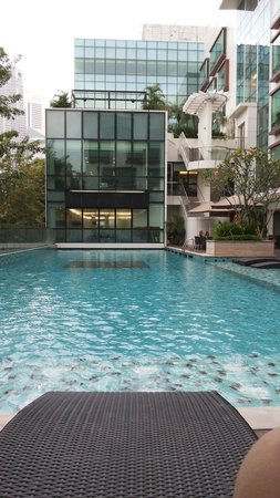 Park Regis Singapore : The pool was so nice. Relaxing.